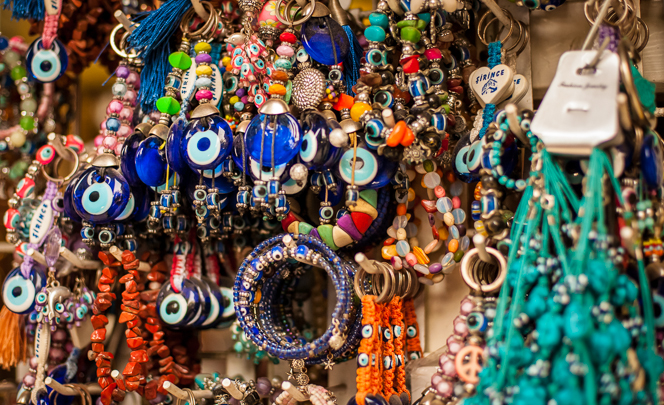 Jewellery and souvenirs