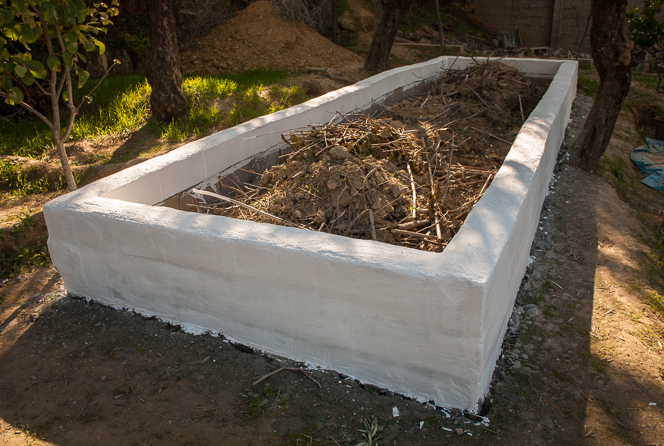 Raised bed in the farmhouse garden is finally done.
